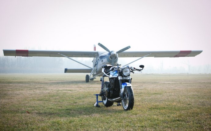 Кафе рейсер Легкая авиация - Triumph T301 | Motoexpert.ru | мото