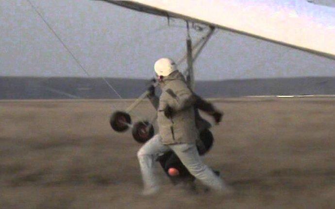 Запрыгивание на дельтаплан - YouTube